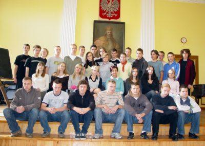 zdjecia_klasowe_2007-08_97_20130317_1099304296